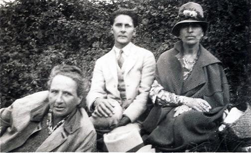 Gertrude Stein's Very Happy Picnic